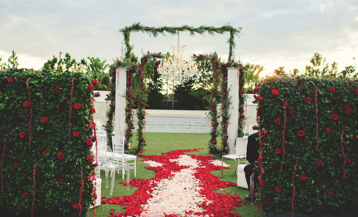 raining roses productions inc wedding flowers florida orlando daytona beach and. Black Bedroom Furniture Sets. Home Design Ideas