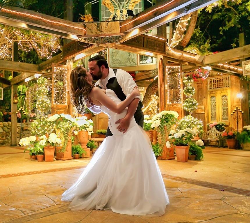 Wedding Cakes Orange County: Tivoli Terrace, Wedding Ceremony & Reception Venue