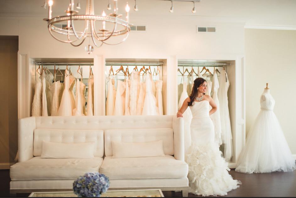 Ivory white wedding dress attire alabama for Wedding dresses huntsville al