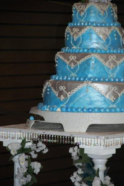 To The Extreme Cakes Wedding Cake Indiana Indianapolis