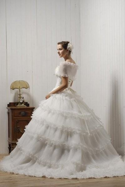 Rhyme couture wedding dress attire new york new york for Wedding dress rental manhattan