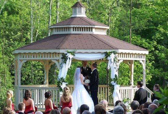 Norlyn manor wedding ceremony reception venue wedding for Wedding dress rental cincinnati ohio