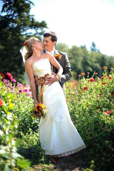 Farm kitchen wedding ceremony reception venue for Wedding dresses tacoma wa