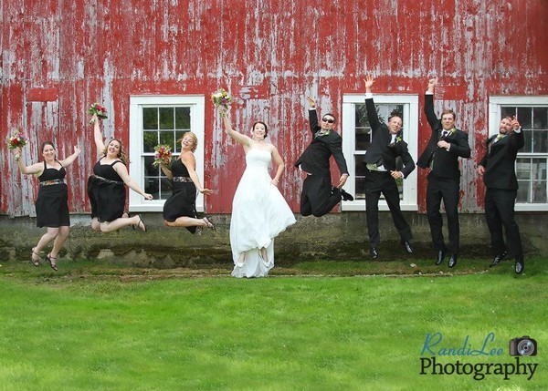 Pigeon hill farm wedding ceremony reception venue for Wedding dresses burlington vt
