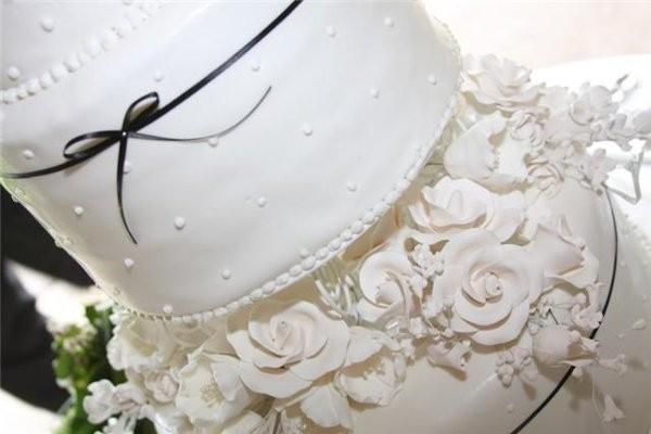 walker cake co wedding cake new york syracuse binghamton utica and surrounding areas. Black Bedroom Furniture Sets. Home Design Ideas