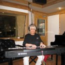 130x130 sq 1231521635467 phyllislynch%2ckeyboard%2cinrecordingstudio