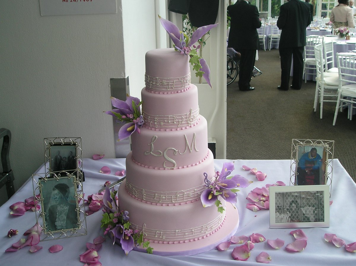 Heavenly crumbs wedding cake new york new york for Wedding dress rental manhattan