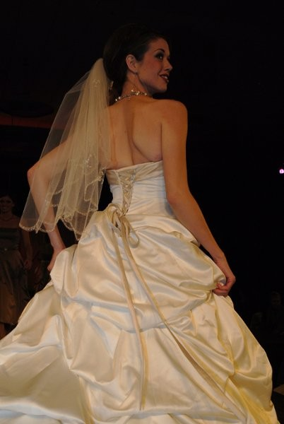 Omaha bridal network for Wedding dress rental omaha