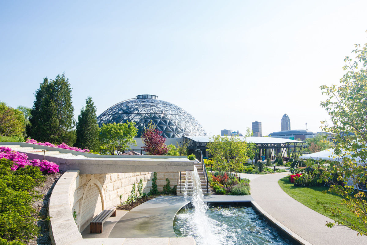 Greater Des Moines Botanical Garden Wedding Ceremony