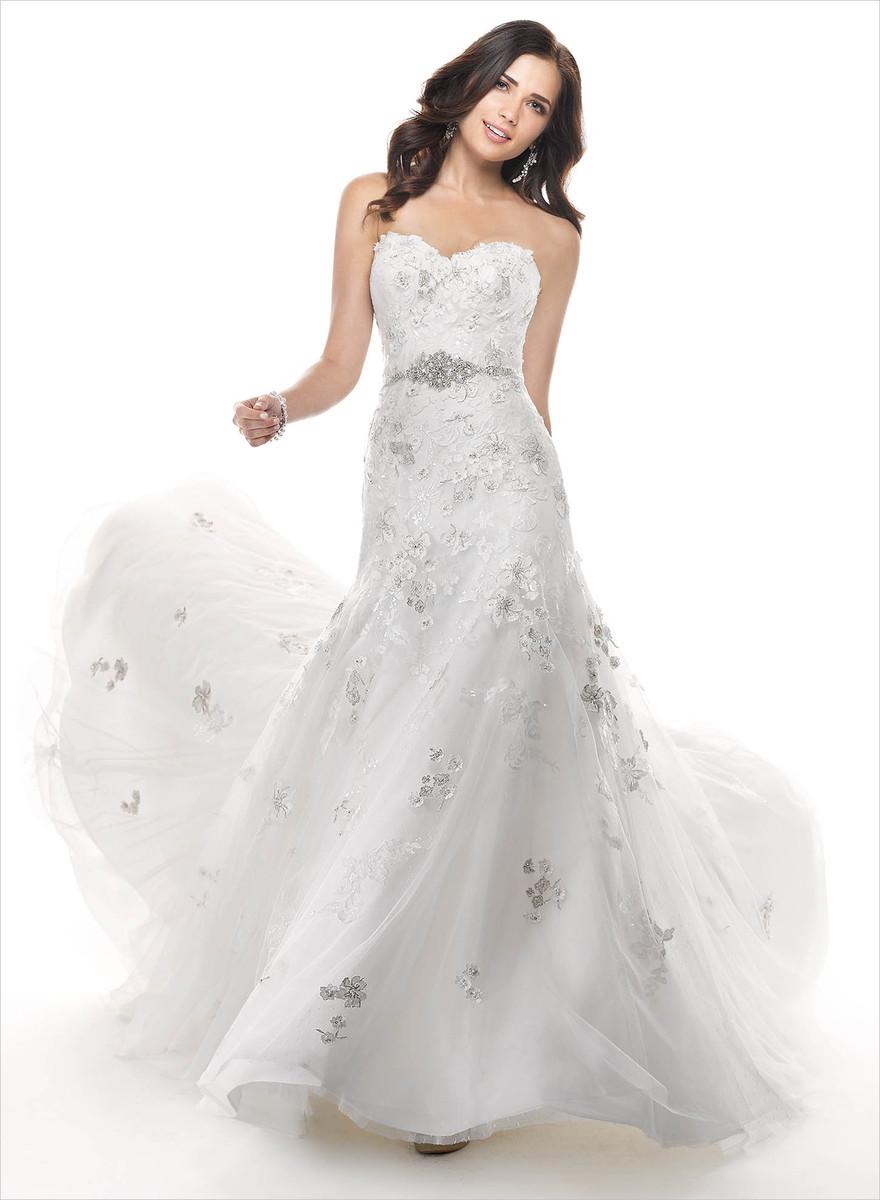 Carol 39 s bridal wedding dress attire michigan grand for Wedding dresses in michigan