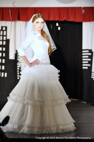 Tznius princess wedding dress attire new york new for Wedding dress rental manhattan