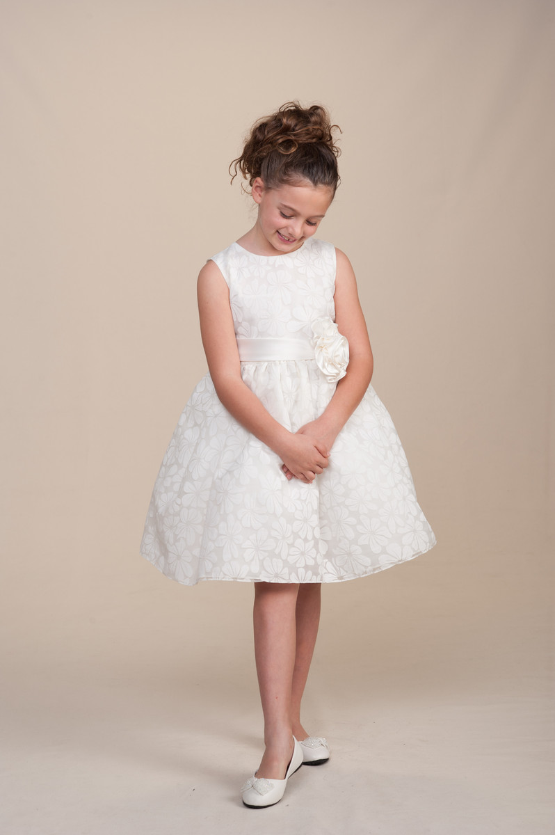 Photos dress attire pictures for Wedding dress rental omaha