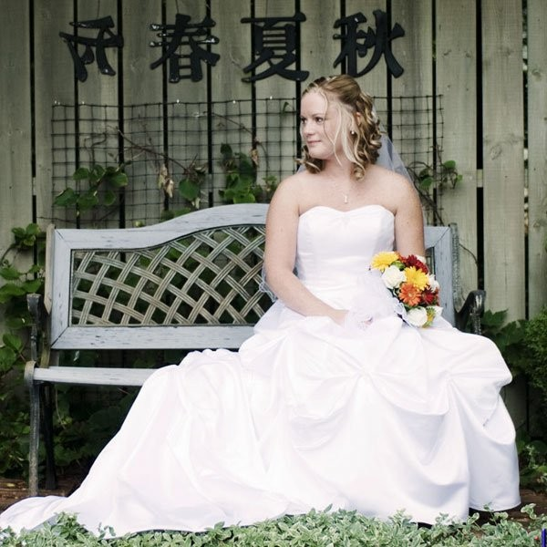 Ilyaxous photography reviews ratings wedding for Wedding dresses burlington vt