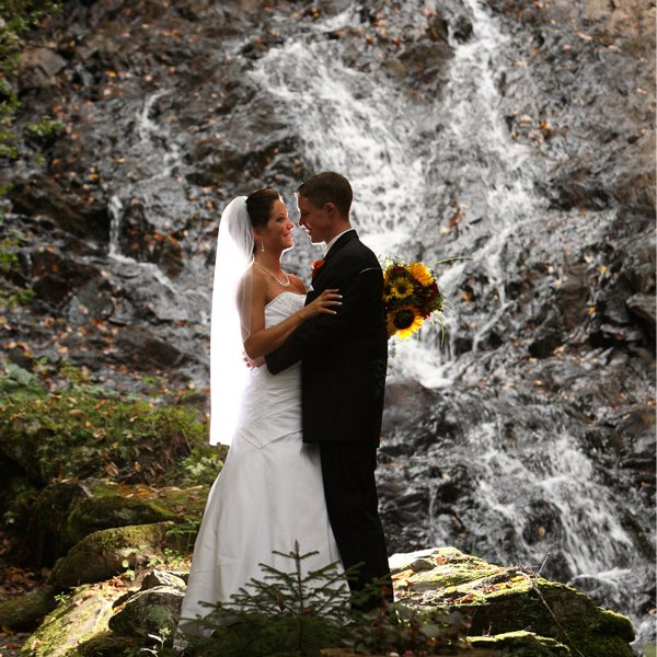Jeudevine falls map jeudevine falls location vermont for Wedding dresses burlington vt
