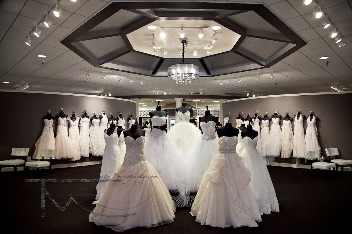 Bridal traditions wedding dress attire nebraska for Wedding dress rental omaha