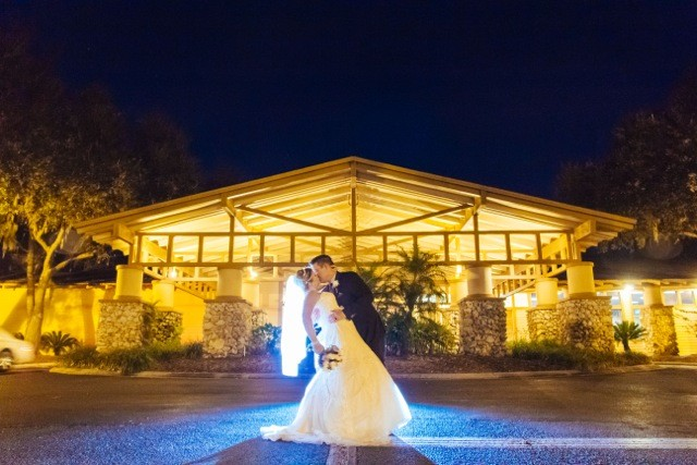 River hills country club wedding ceremony reception for Wedding dress rental tampa