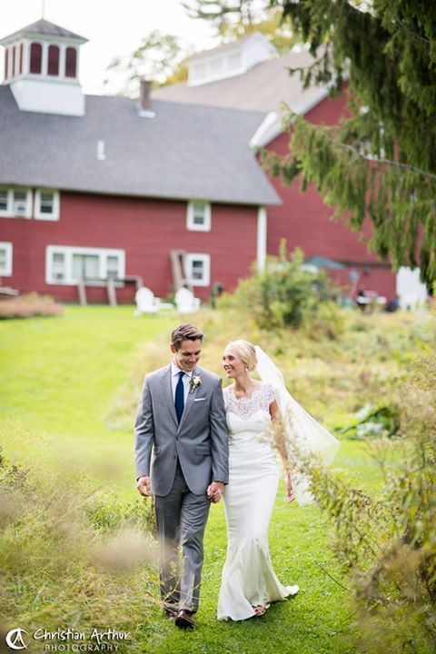 The quechee inn at marshland farm wedding ceremony for Wedding dresses burlington vt