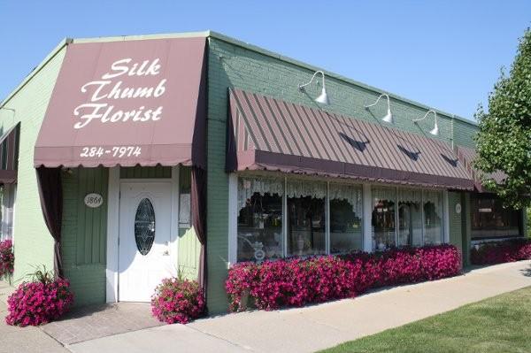 Wedding Flowers Flint Mi : Silk thumb florist wedding flowers michigan detroit