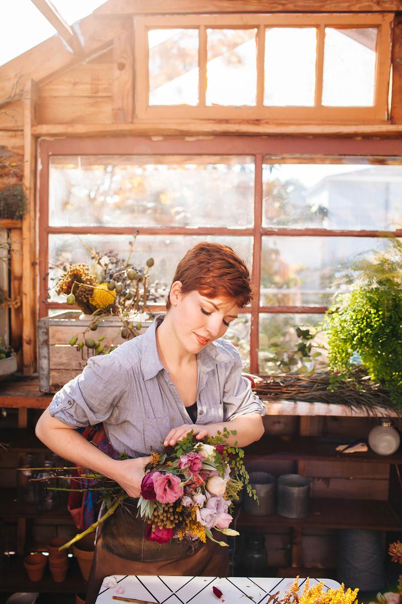 Ponderosa thyme wedding flowers oregon portland and for Wedding dress rentals portland oregon