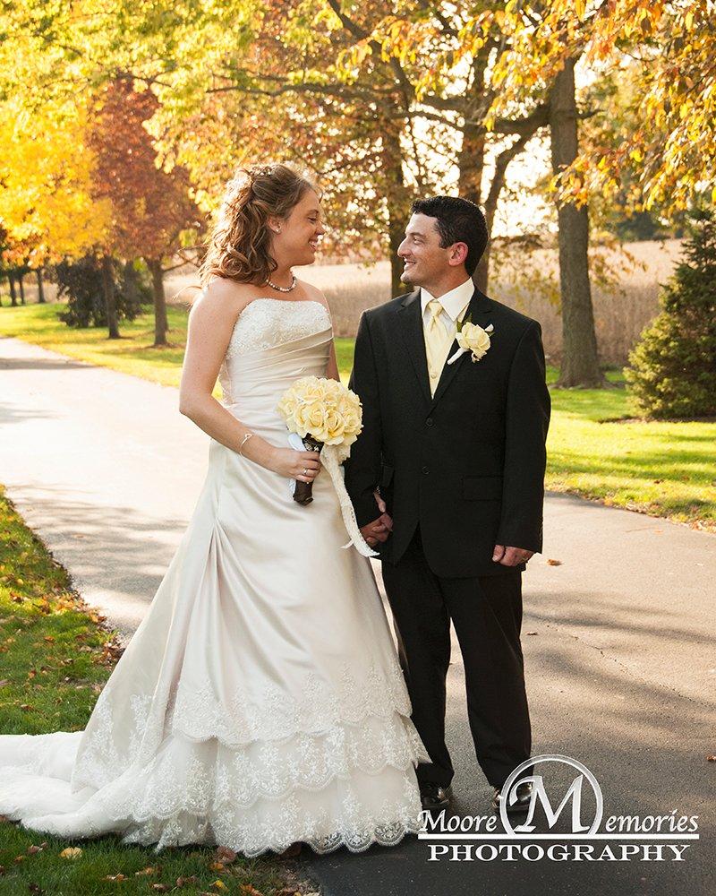 Moore memories photography wedding photography ohio for Wedding dress rental cincinnati ohio