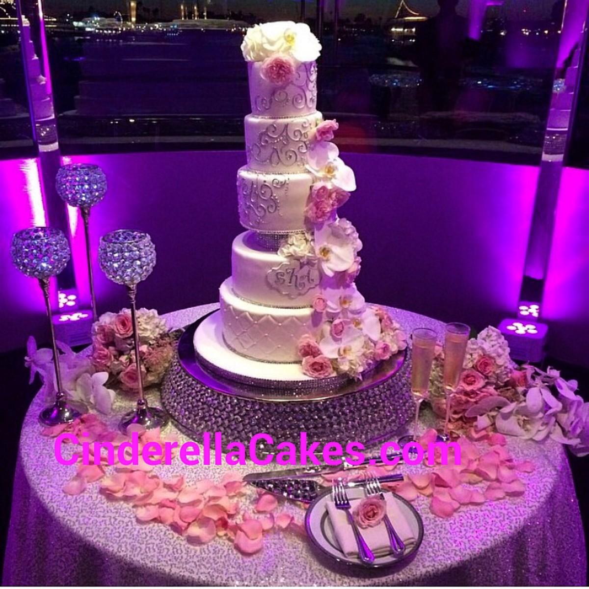 Wedding Cakes Orange County: Cinderella Cakes Photos, Wedding Cake Pictures, California