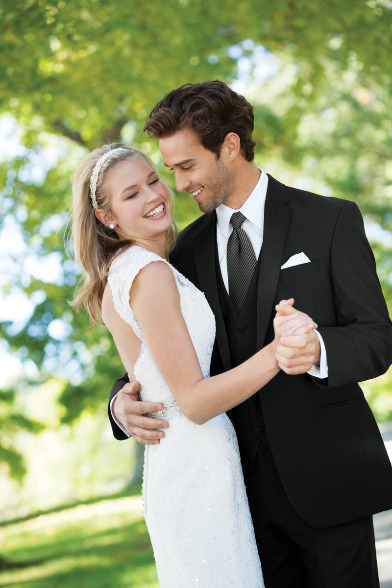 Jos a bank clothiers wedding dress attire district for Rent wedding dress dc