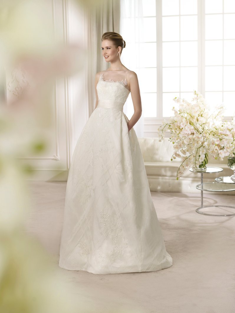 Bridal elegant wedding dress attire nevada las vegas for Wedding dresses for rent las vegas
