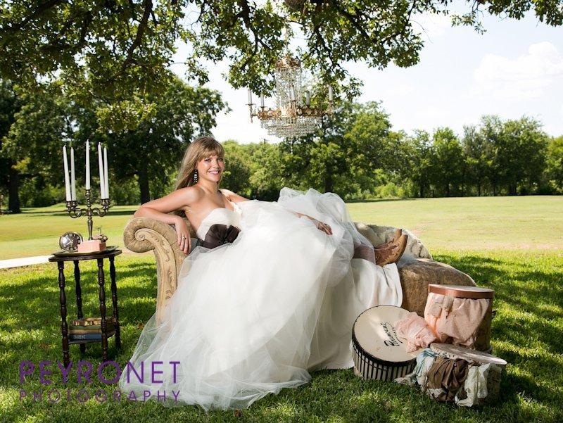 Gold dust vintage rentals wedding event rentals for Vintage wedding dresses fort worth