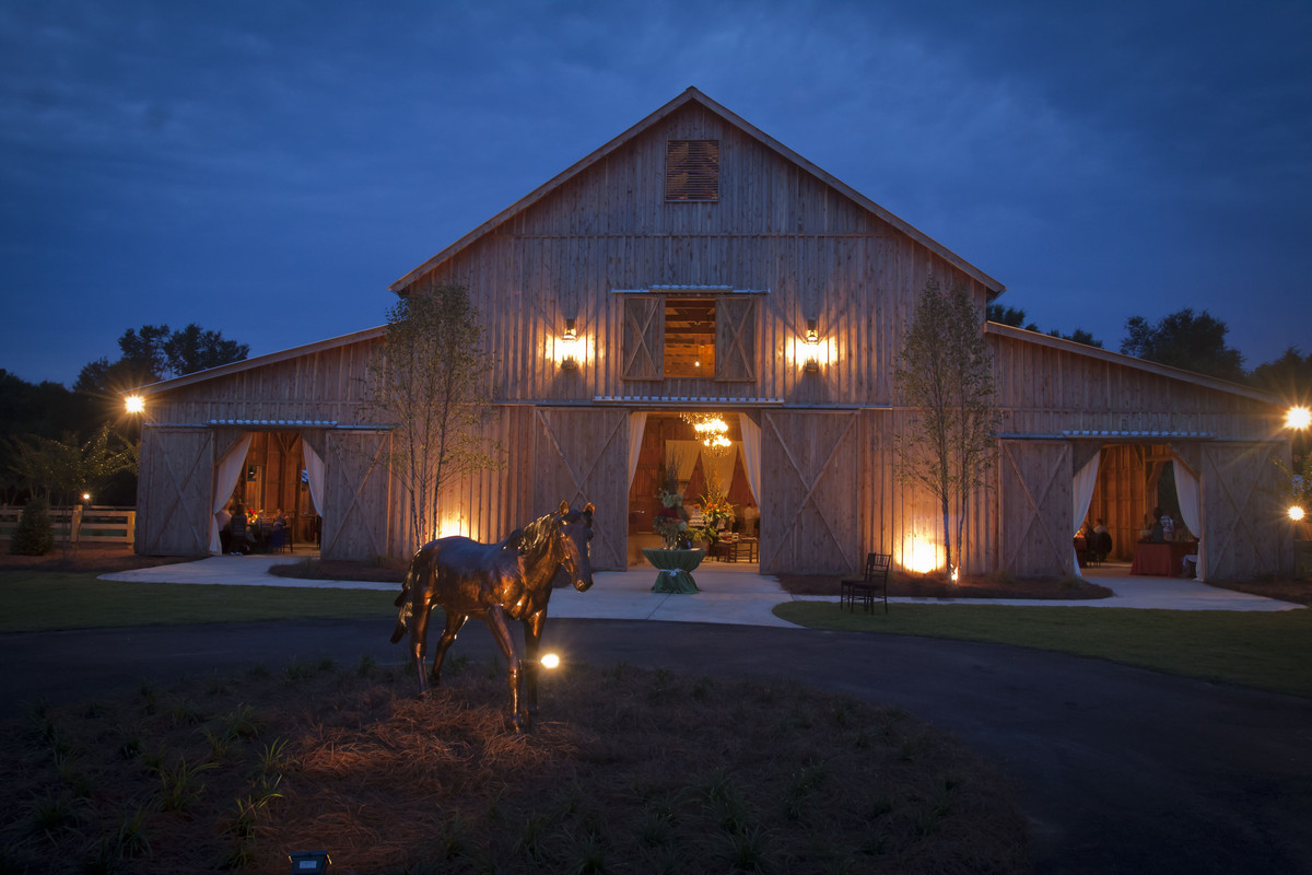 The Cedar Barn Of Southern Bridle Farms Wedding Ceremony Amp Reception Venue Georgia
