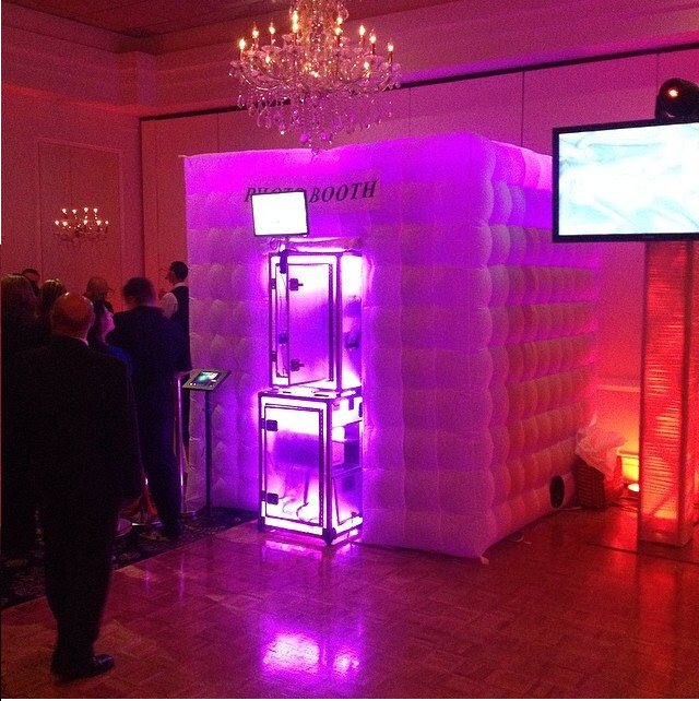 Devine Photo Booths Wedding Event Rentals Amp Photobooths