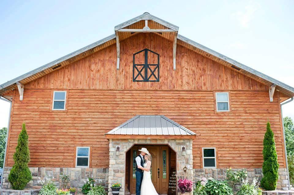 Timber Line Barn Wedding Ceremony Amp Reception Venue Missouri