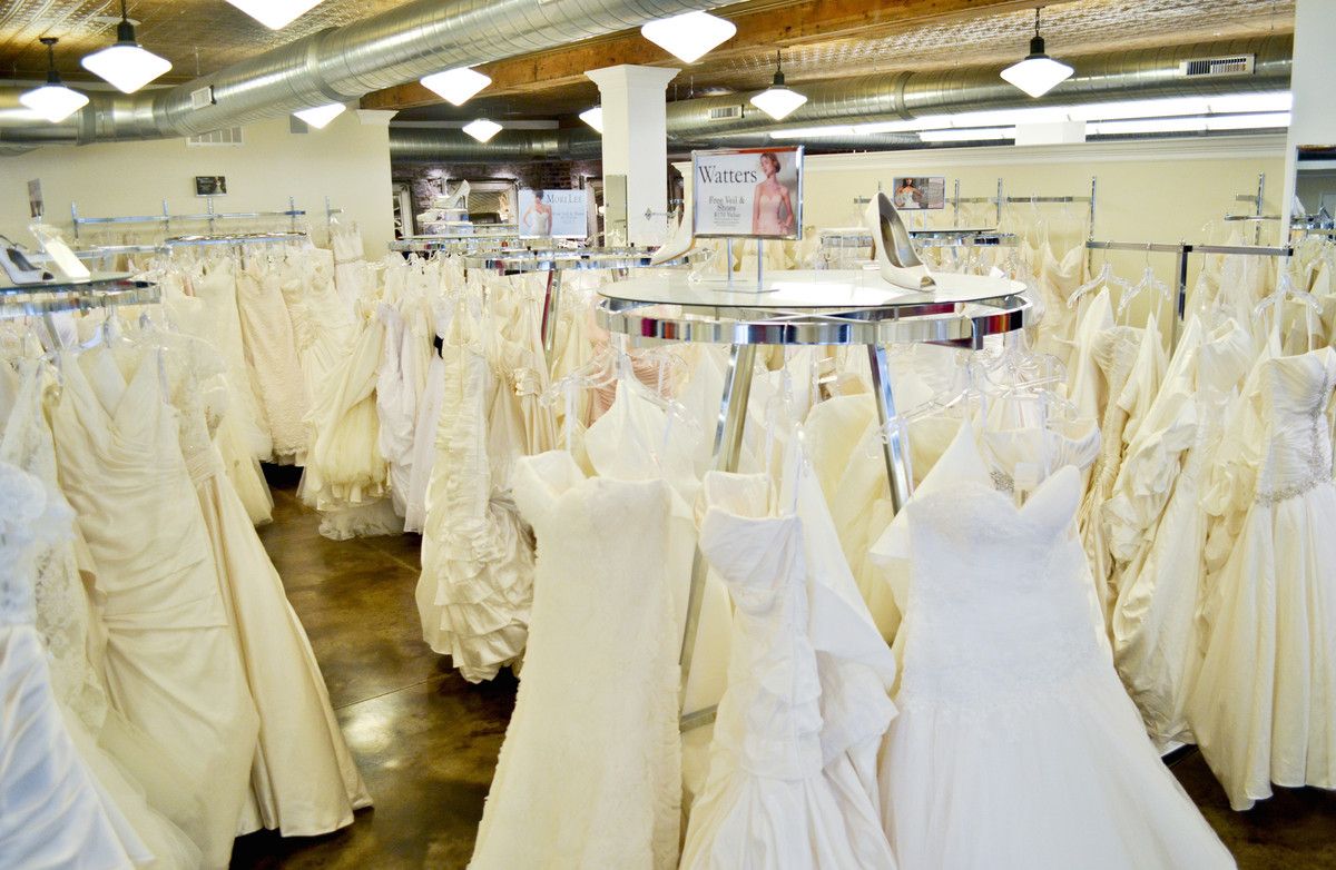 Frew 39 s bridal map frew 39 s bridal location missouri st for Wedding dresses columbia mo