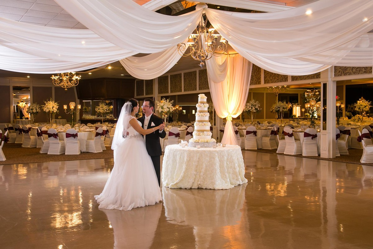 Zuccaro S Banquets Amp Catering Wedding Ceremony