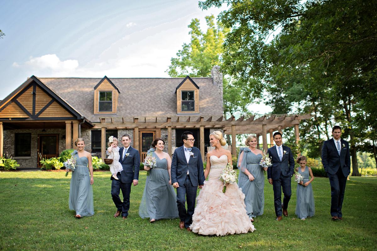 Arrington vineyards advice arrington vineyards tips for Wedding dress rental nashville tn