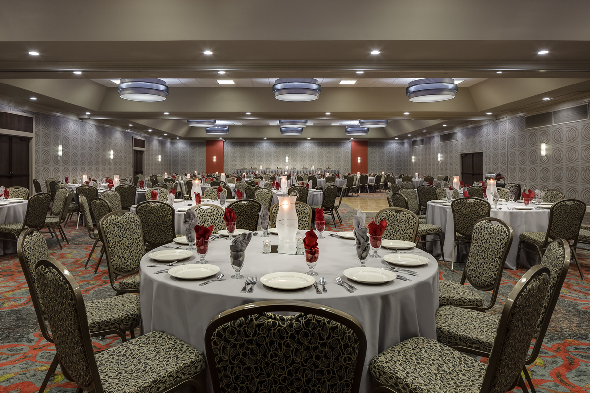 Holiday Inn Wichita East I 35 Wedding Ceremony Amp Reception Venue Kansas