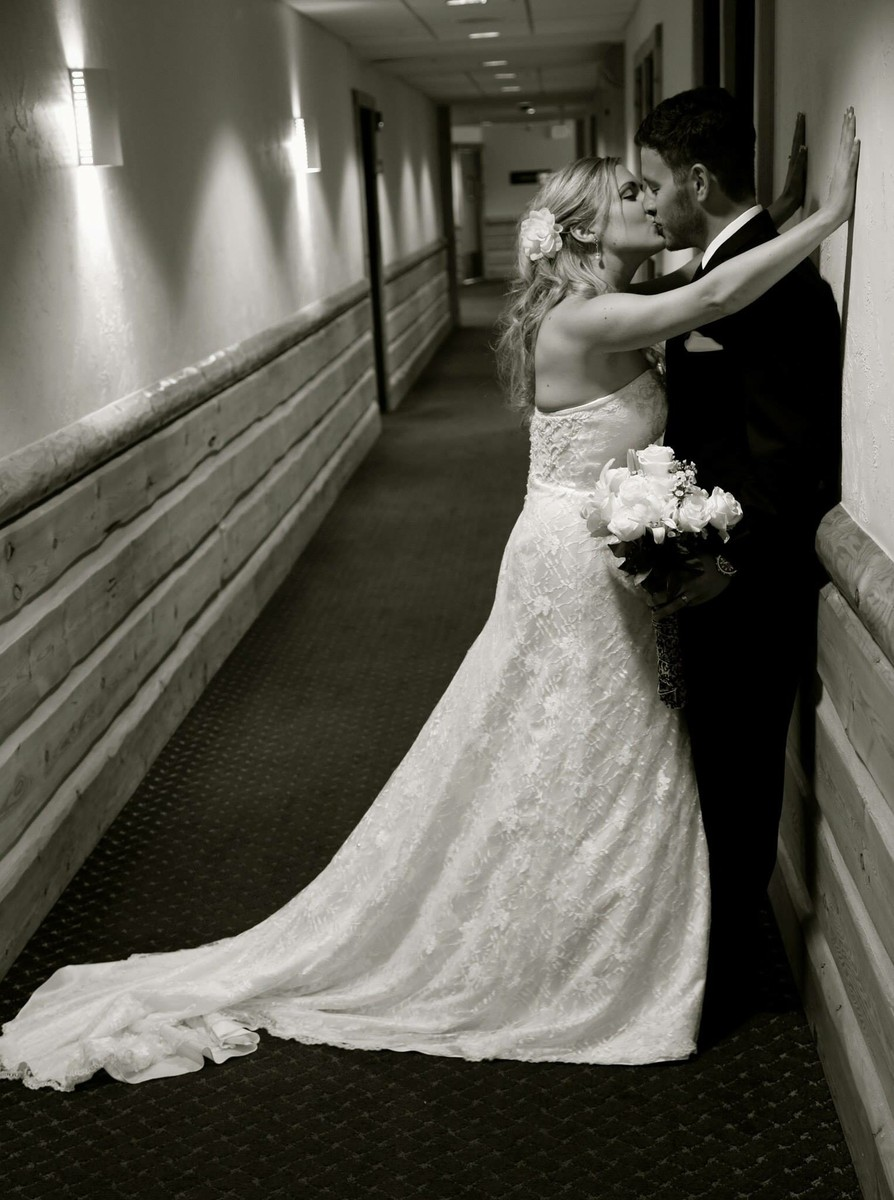 Sundown entertainment nw reviews ratings wedding dj for Wedding dress rentals portland oregon