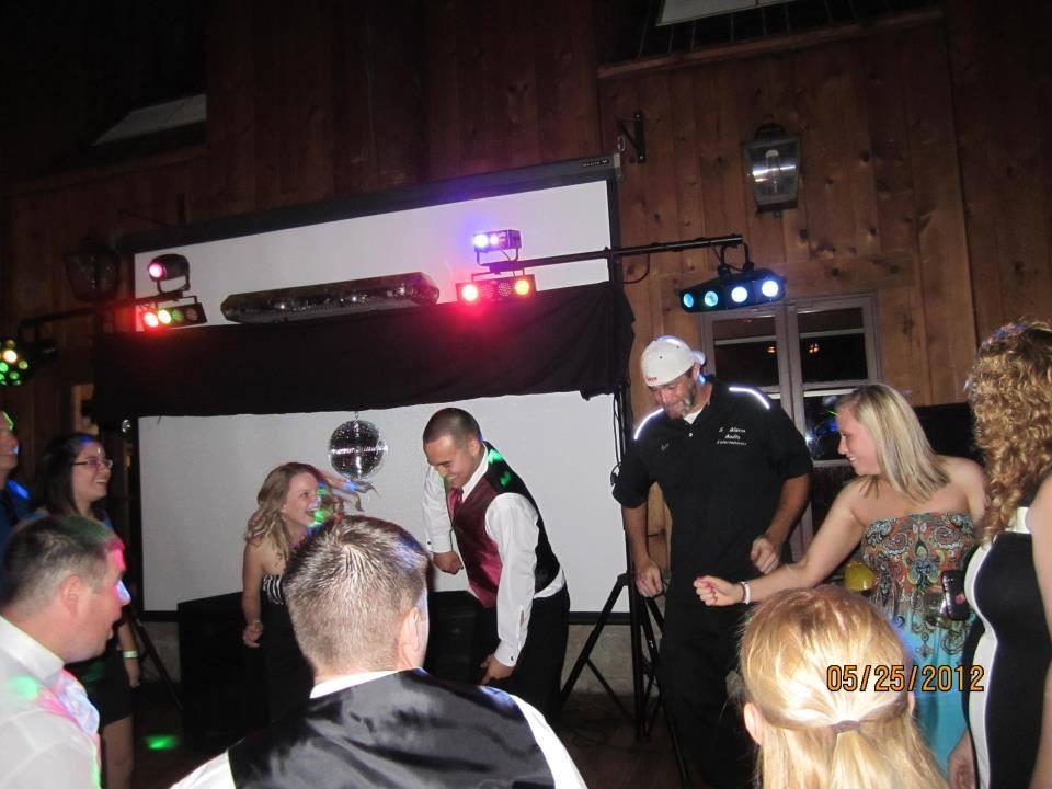 5 Alarm Audio Entertainment Reviews Amp Ratings Wedding Dj