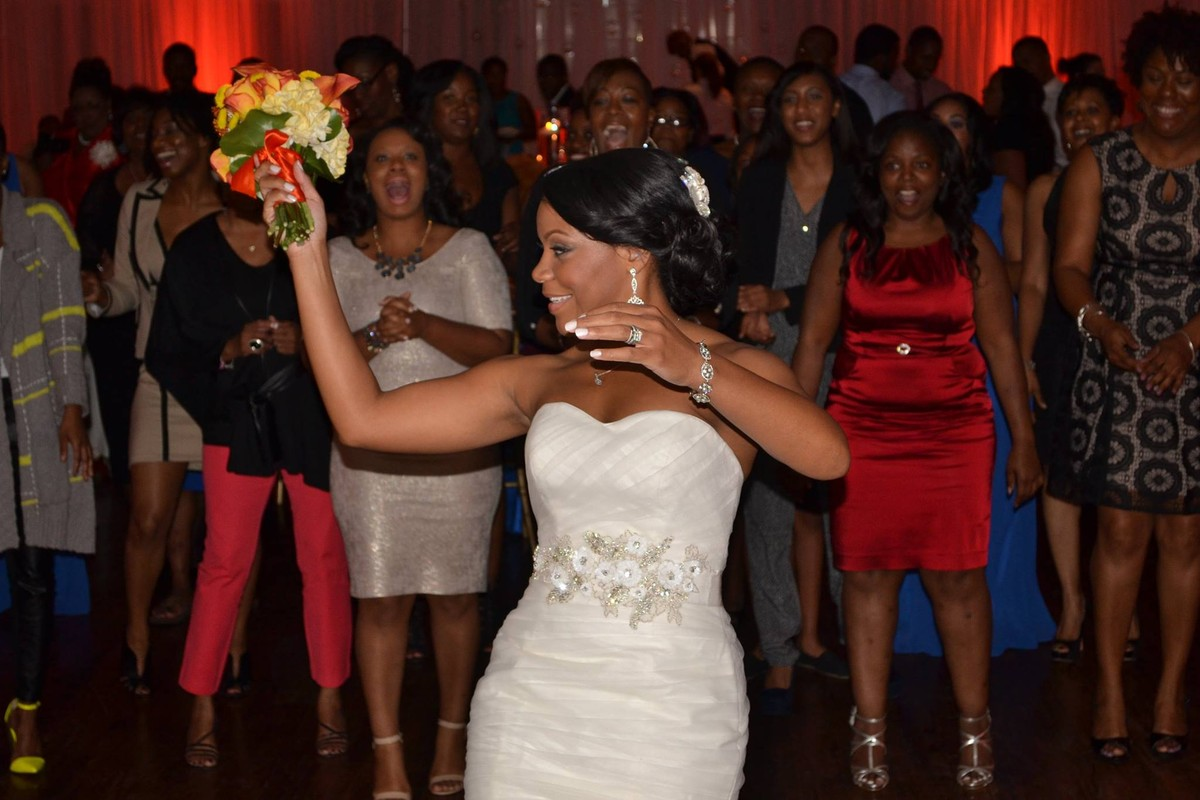 Funn entertainment photos dj pictures tennessee for Wedding dress rental memphis tn