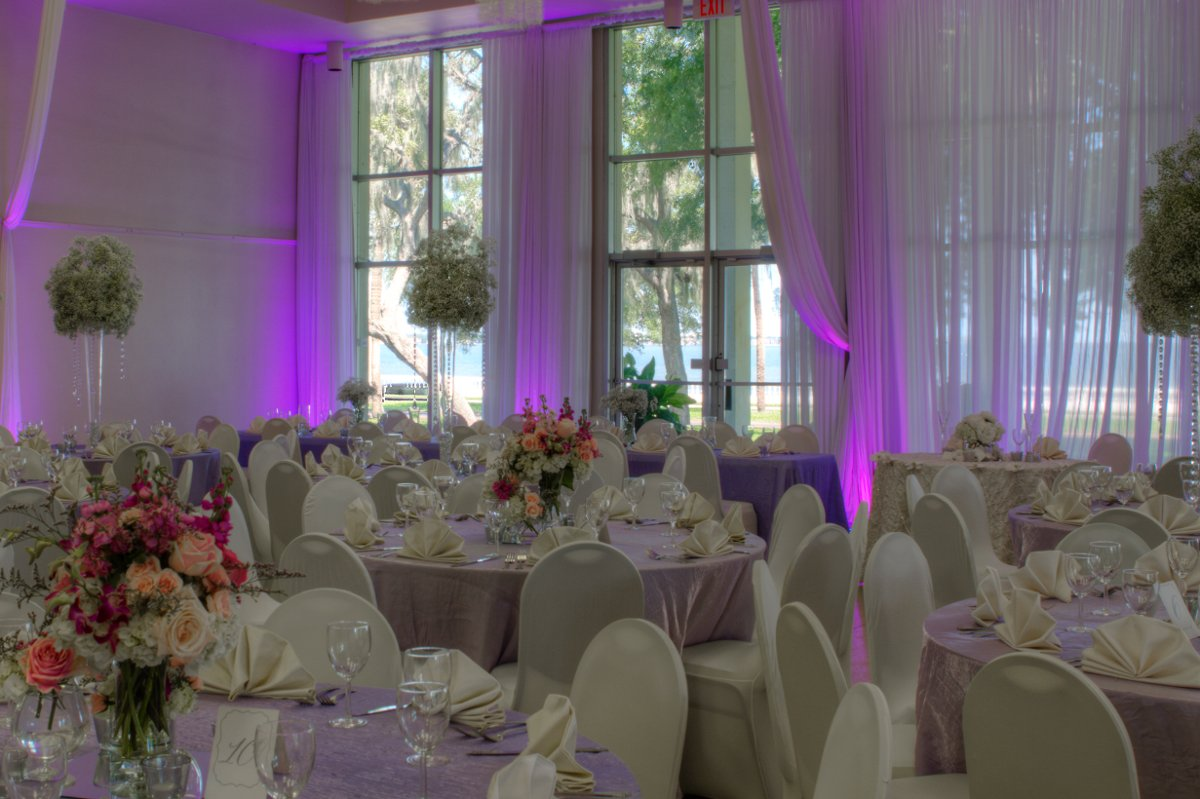 Tampa garden club reviews ratings wedding ceremony for Wedding dress rental tampa