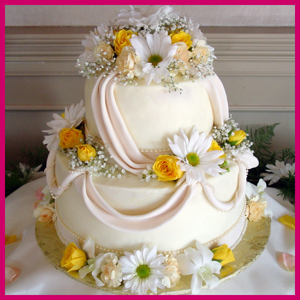 Daisy Cake Company Wedding Cake Tennessee Knoxville