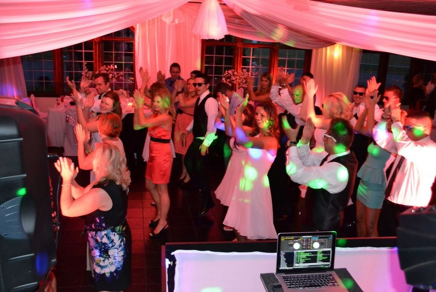 Savoy Entertainment Service 1000 Dj Photobooth Package