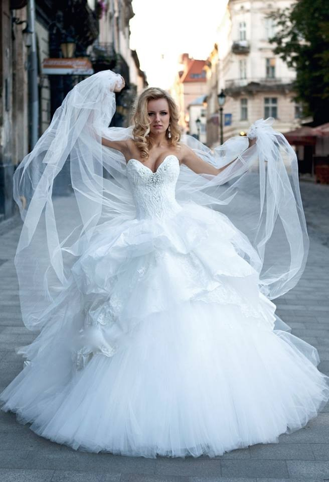 Crystal bridal boutique wedding dress attire new york for Wedding dress rental manhattan
