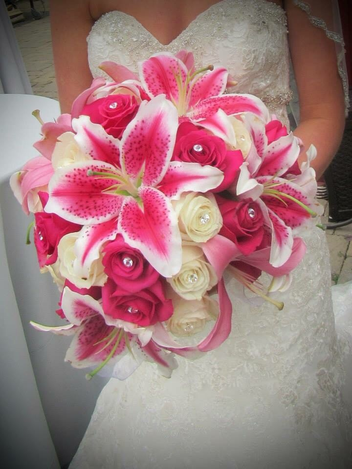 flowers by mckenzie reviews ratings wedding flowers oregon portland and surrounding areas. Black Bedroom Furniture Sets. Home Design Ideas