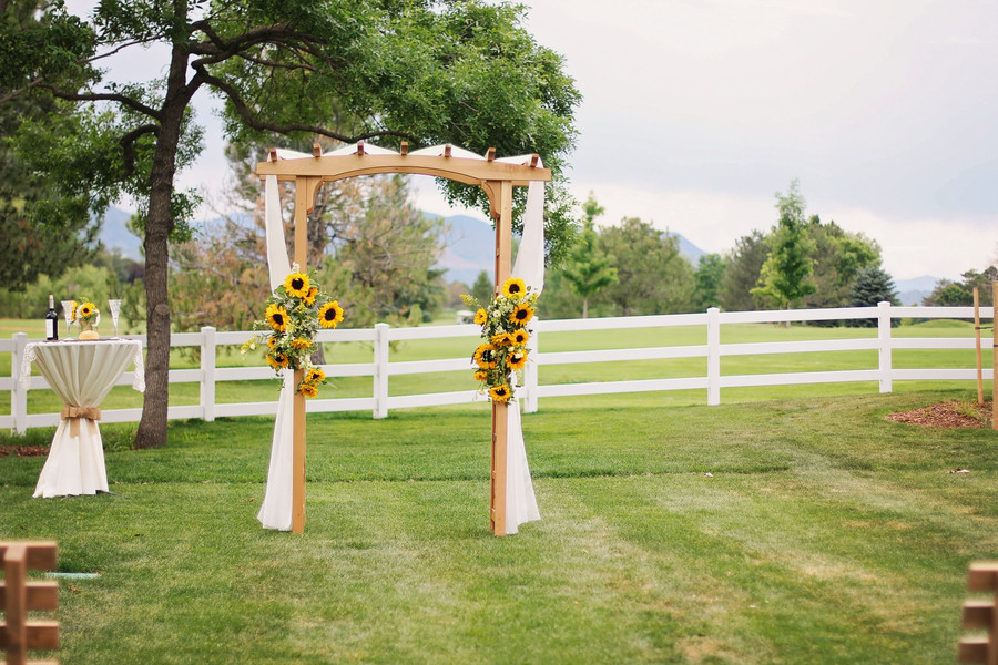 How to Build a Wedding Arch advise