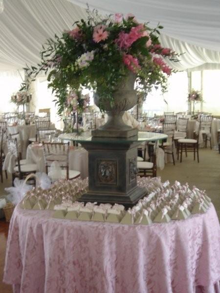 Wedding Flowers Flint Mi : Embellish wedding event rentals photobooths