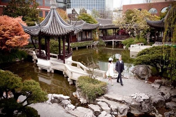 Lan su chinese garden wedding ceremony reception venue for Wedding dress rentals portland oregon