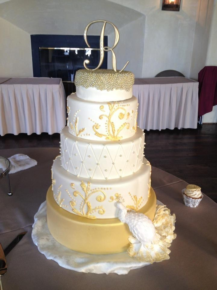 a piece of cake llc wedding cake rhode island providence new bedford and surrounding areas. Black Bedroom Furniture Sets. Home Design Ideas