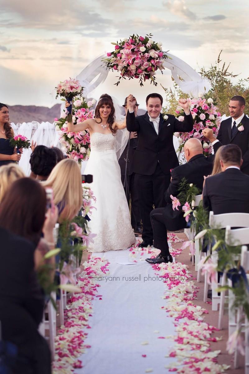 We luv flowers wedding flowers nevada las vegas and for Las vegas wedding dress rental prices