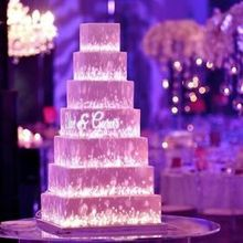 220x220 sq 1536277803 7074168eb35a655c wedding cake projection mapping