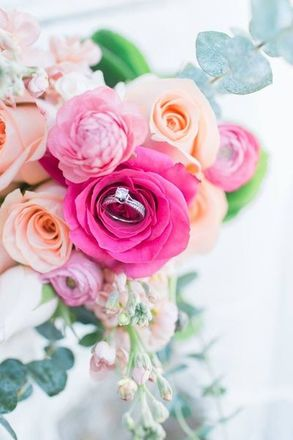 Kiss From a Rose Floral Creations & Event Services